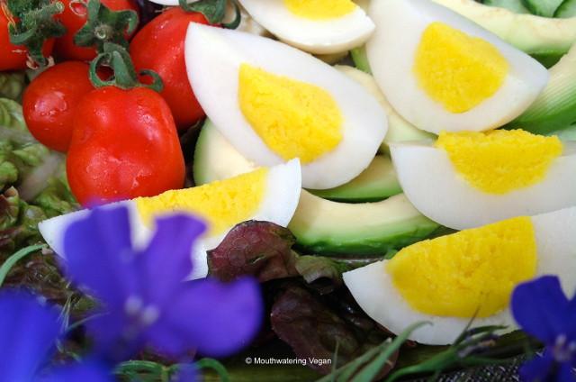 Exquisite handmade vegan hard-boiled eggs from Mouthwatering Vegan Recipes™ • www.mouthwateringvegan.com