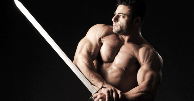 Patrik Baboumian, bodybuilder, weightlifter, vegan. After seeing this image, what else is there to say? • Click here for more info